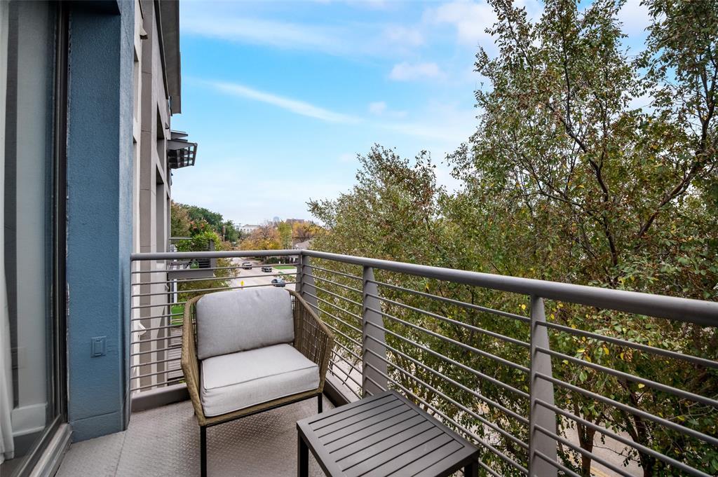 4414 Cedar Springs  Road, Dallas, Texas 75219 - acquisto real estate best plano real estate agent mike shepherd