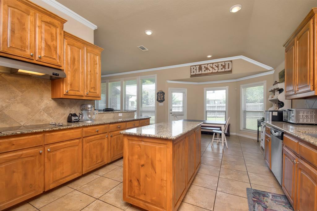 2725 Los Gatos  Lane, Fort Worth, Texas 76131 - acquisto real estate best new home sales realtor linda miller executor real estate