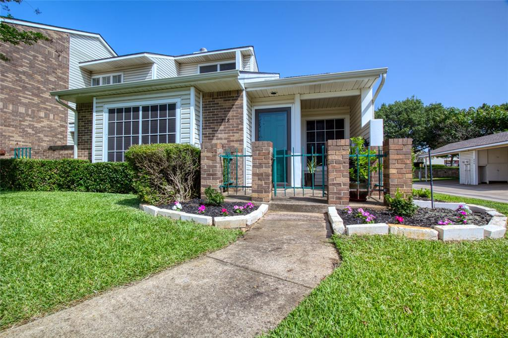 719 Creekwood  Court, Lewisville, Texas 75067 - acquisto real estate best real estate follow up system katy mcgillen