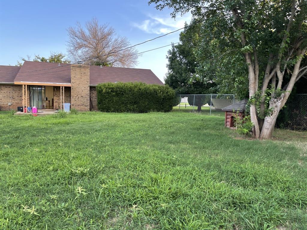 4300 Viewpark  Wichita Falls, Texas 76306 - acquisto real estate best realtor foreclosure real estate mike shepeherd walnut grove realtor