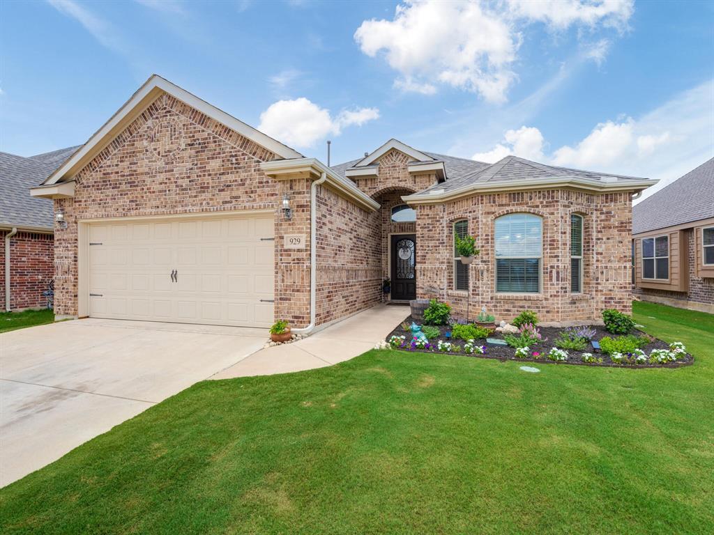929 Viburnum  Drive, Fort Worth, Texas 76131 - acquisto real estate best allen realtor kim miller hunters creek expert