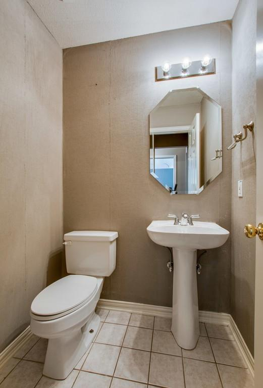 2308 Balleybrooke  Drive, Lewisville, Texas 75077 - acquisto real estate best new home sales realtor linda miller executor real estate