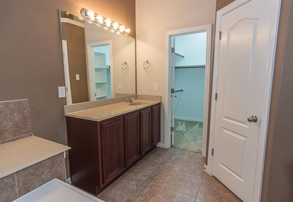 724 Sendero  Road, Arlington, Texas 76002 - acquisto real estate best listing agent in the nation shana acquisto estate realtor