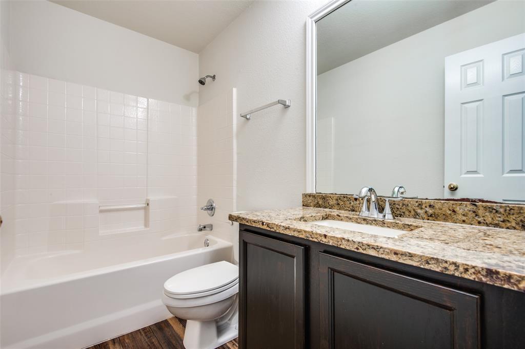 5913 Meadowglen  Drive, Denton, Texas 76226 - acquisto real estate best investor home specialist mike shepherd relocation expert