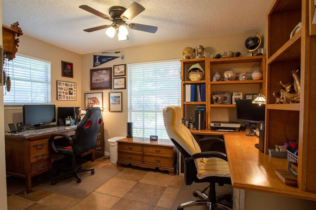 8817 Trails Edge  Drive, North Richland Hills, Texas 76182 - acquisto real estate best celina realtor logan lawrence best dressed realtor