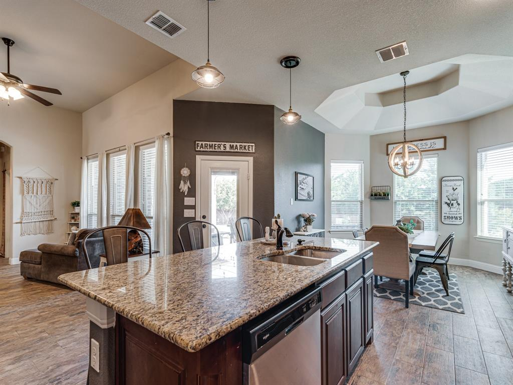 409 Hillstone  Drive, Midlothian, Texas 76065 - acquisto real estate best real estate company to work for