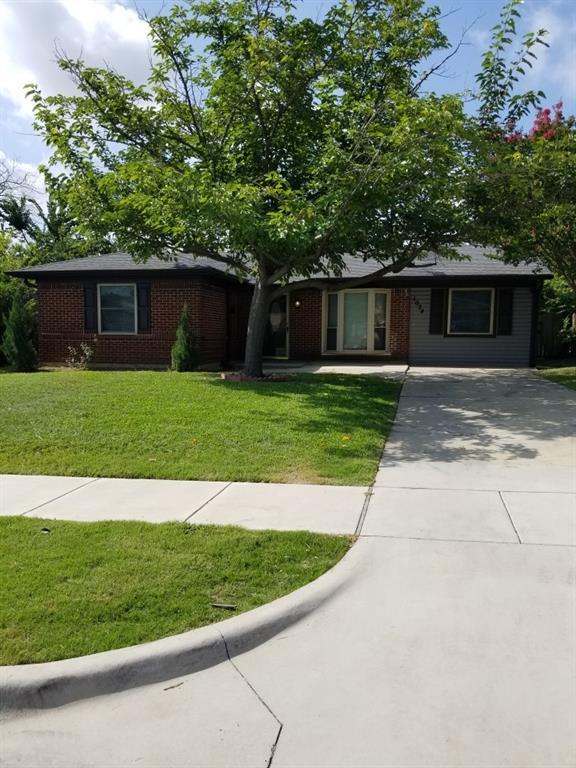 1034 Geronimo Arrow  Carrollton, Texas 75006 - Acquisto Real Estate best plano realtor mike Shepherd home owners association expert