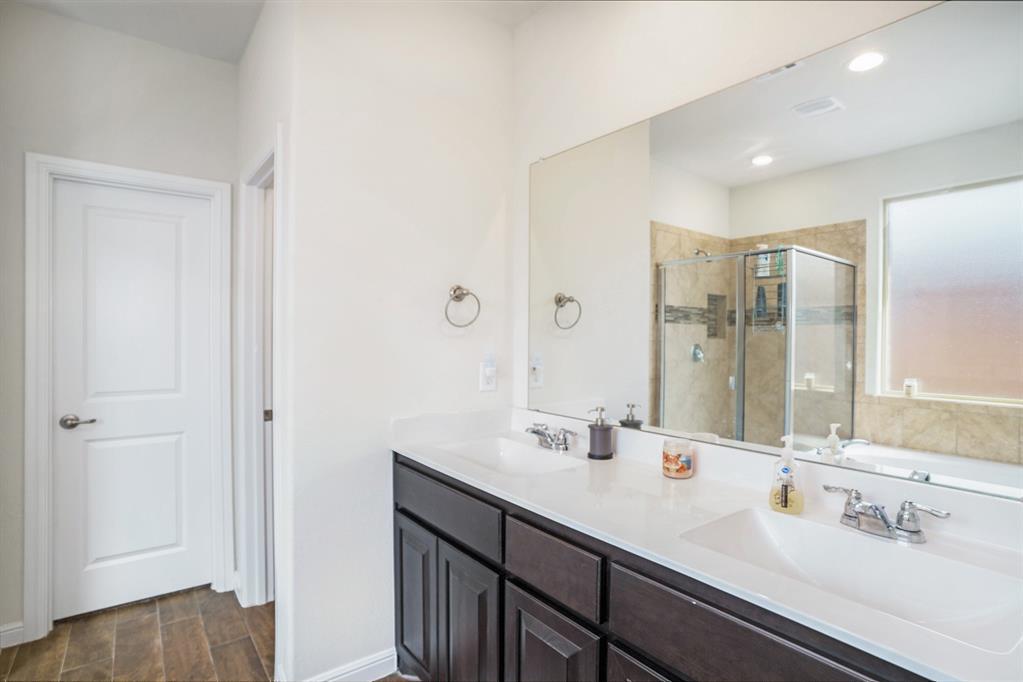 1215 Burlingame  Drive, Cleburne, Texas 76033 - acquisto real estate best designer and realtor hannah ewing kind realtor
