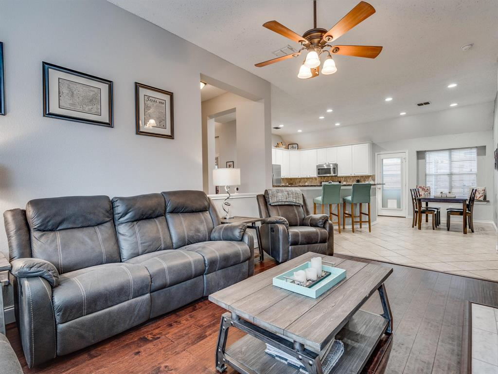 1854 Crosshaven  Drive, Lewisville, Texas 75077 - acquisto real estate best photos for luxury listings amy gasperini quick sale real estate