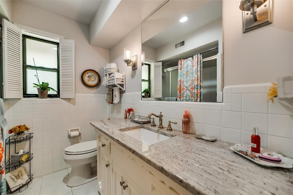 925 Teakwood  Drive, Richardson, Texas 75080 - acquisto real estate best real estate company to work for