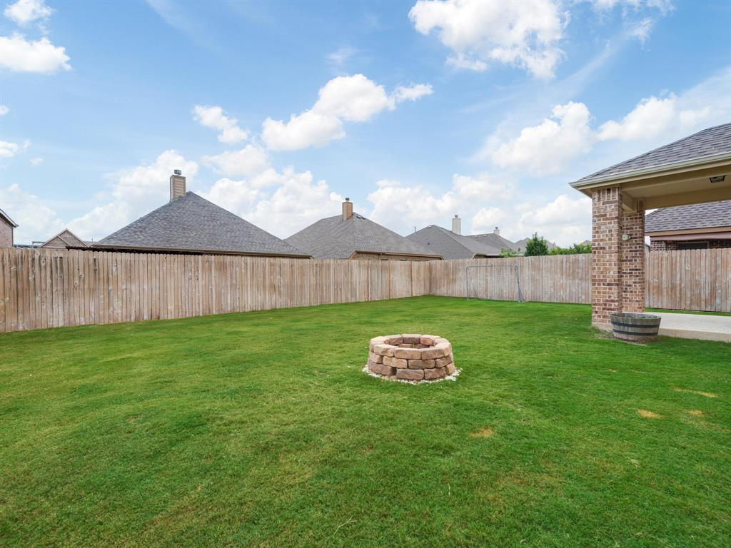 929 Viburnum  Drive, Fort Worth, Texas 76131 - acquisto real estate best realtor westlake susan cancemi kind realtor of the year