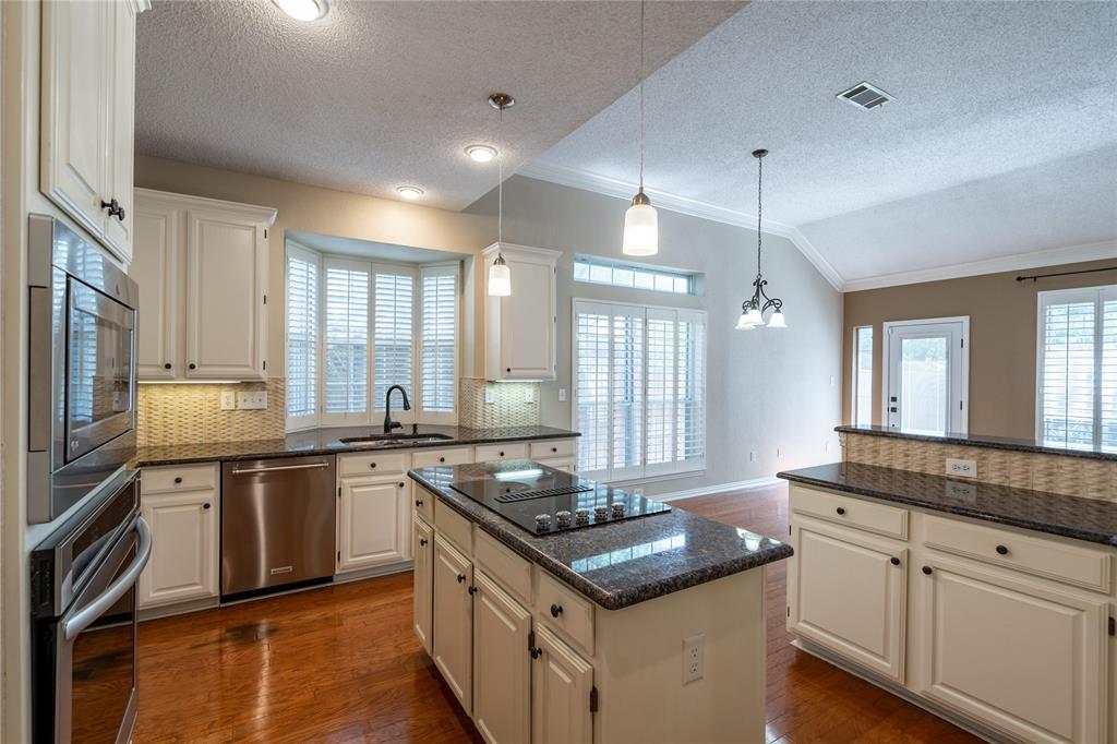 2647 Garden Ridge  Lane, Arlington, Texas 76006 - acquisto real estate best celina realtor logan lawrence best dressed realtor