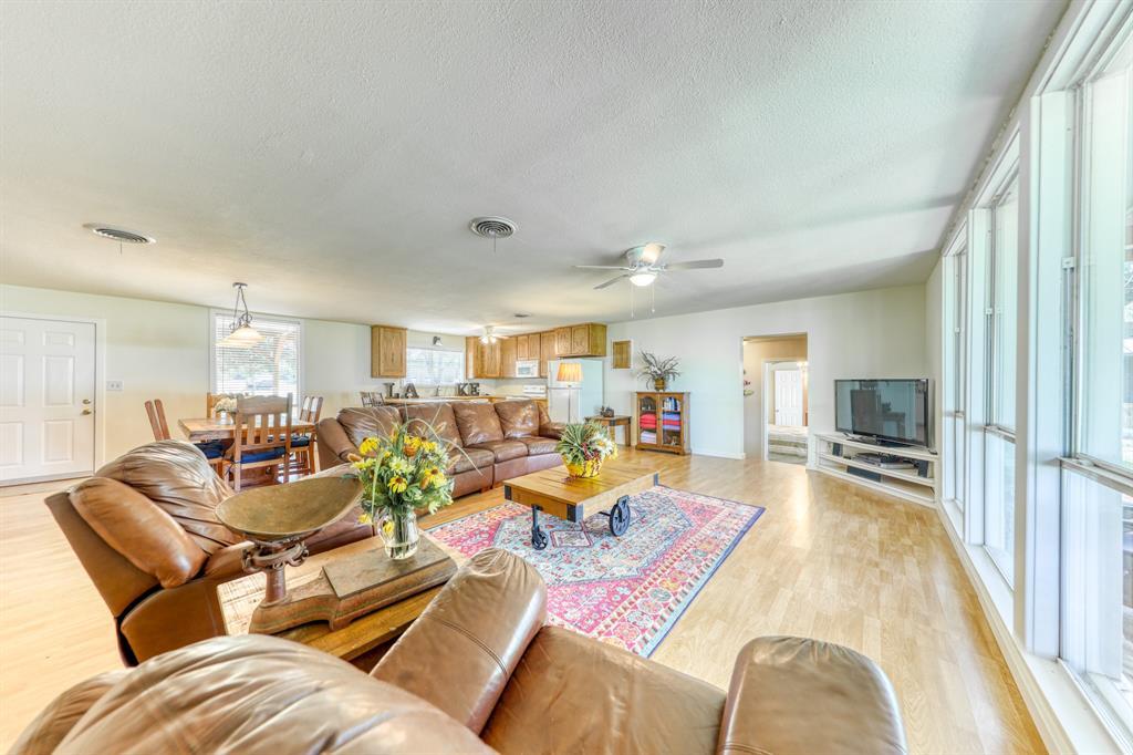 1957 Deer Trail  Road, Possum Kingdom Lake, Texas 76449 - acquisto real estate best style realtor kim miller best real estate reviews dfw