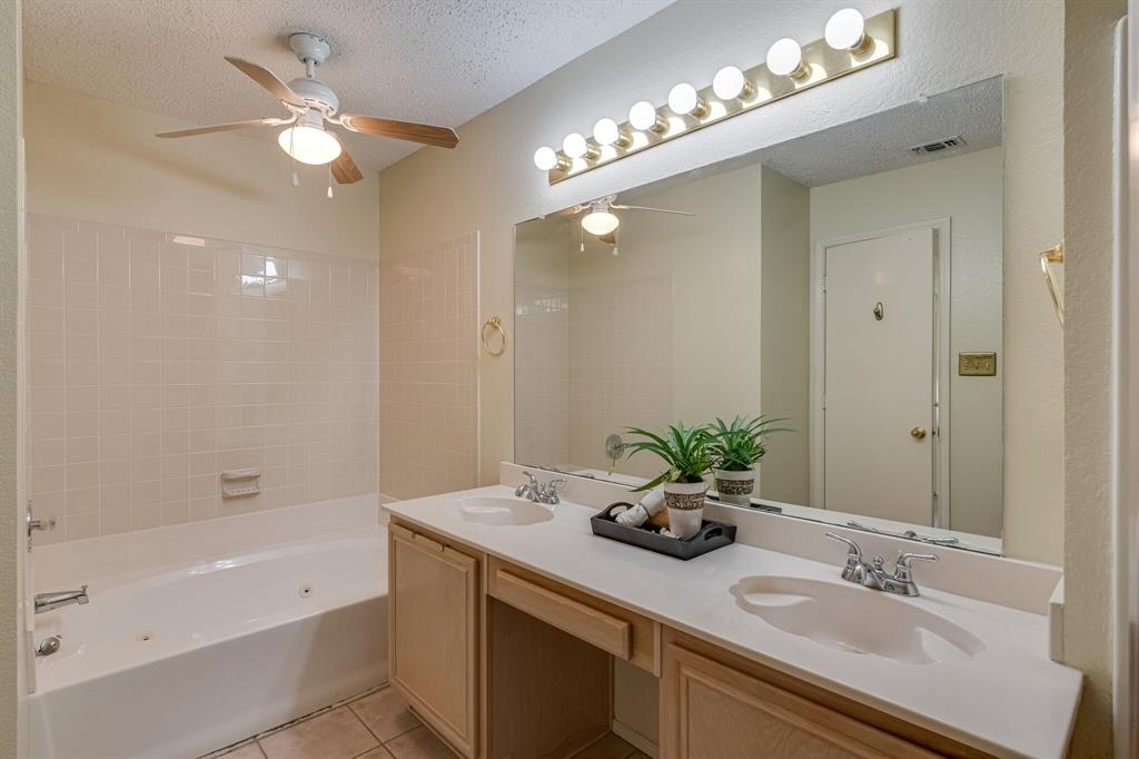 415 Sea Rim  Drive, Arlington, Texas 76018 - acquisto real estate best frisco real estate broker in texas for high net worth buyers