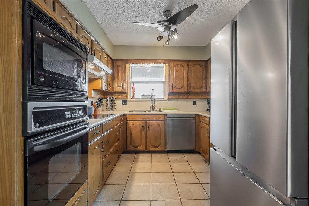 2732 Meadow Green  Bedford, Texas 76021 - acquisto real estate best real estate company to work for