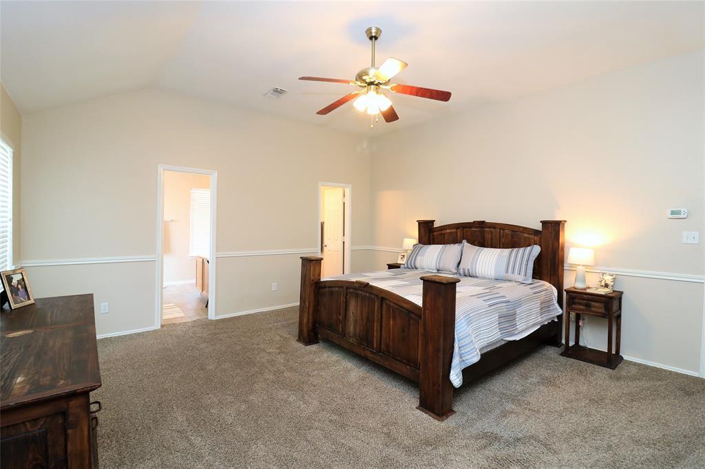 2208 Eden Green  Drive, Arlington, Texas 76001 - acquisto real estate best photos for luxury listings amy gasperini quick sale real estate