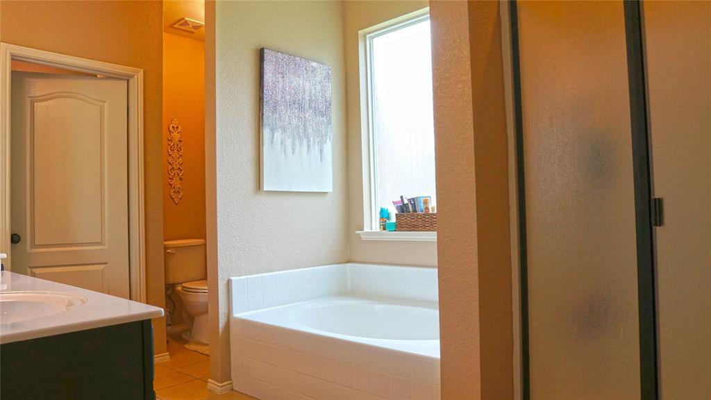 4511 Hummingbird  Drive, Sherman, Texas 75092 - acquisto real estate best designer and realtor hannah ewing kind realtor