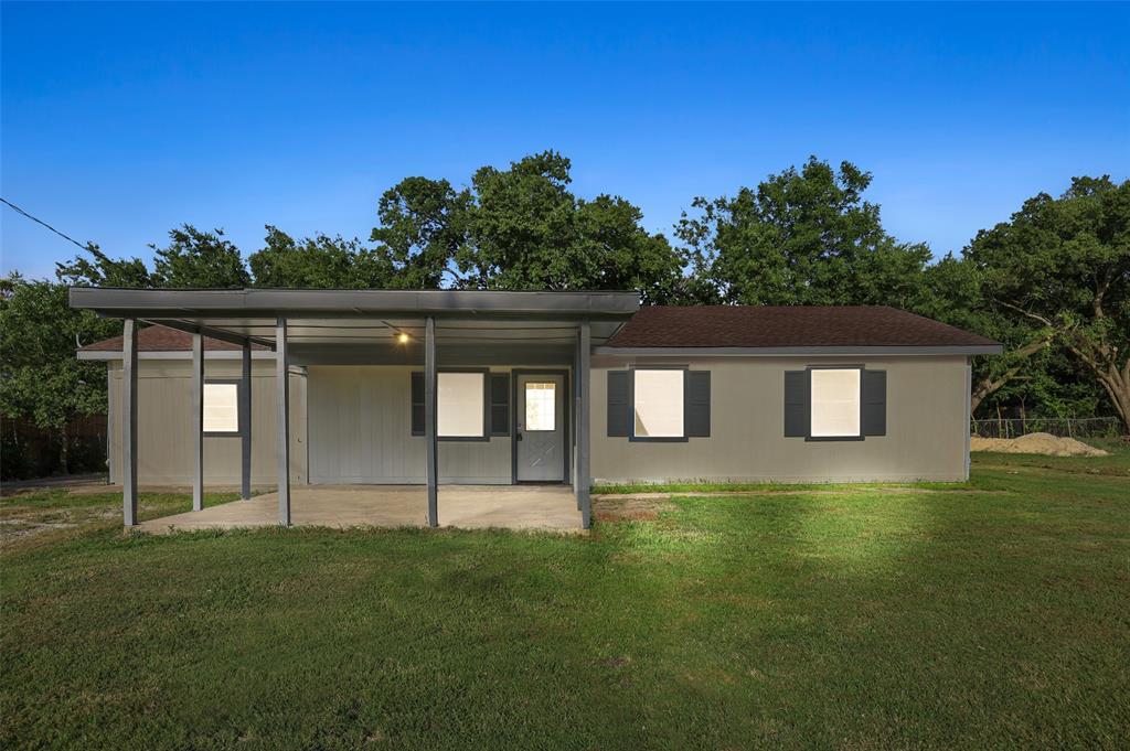 303 Milton  Street, Celeste, Texas 75423 - Acquisto Real Estate best frisco realtor Amy Gasperini 1031 exchange expert