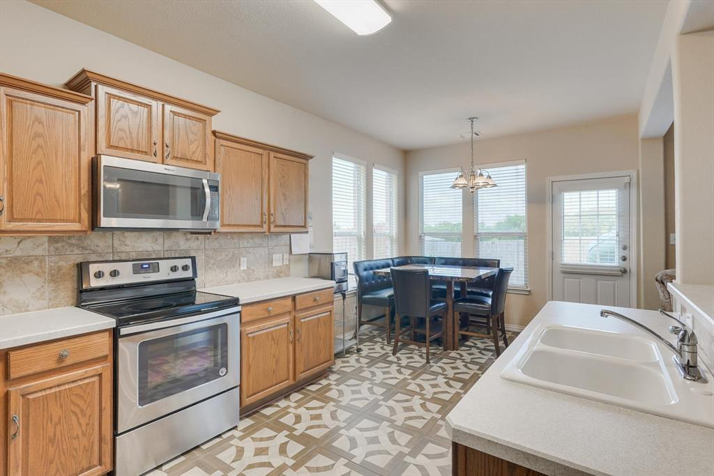 4821 Lemon Grove  Drive, Fort Worth, Texas 76135 - acquisto real estate best listing agent in the nation shana acquisto estate realtor