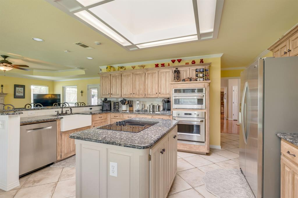 2701 Cedar Springs  Court, Bedford, Texas 76021 - acquisto real estate best frisco real estate broker in texas for high net worth buyers