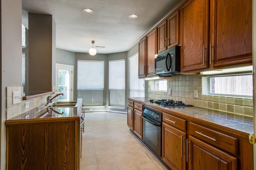 2308 Balleybrooke  Drive, Lewisville, Texas 75077 - acquisto real estate best luxury buyers agent in texas shana acquisto inheritance realtor