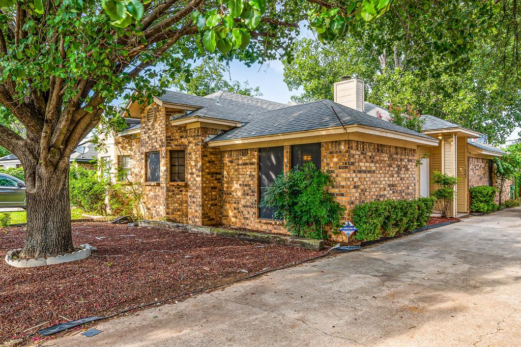 5205 Wild West  Drive, Arlington, Texas 76017 - Acquisto Real Estate best frisco realtor Amy Gasperini 1031 exchange expert