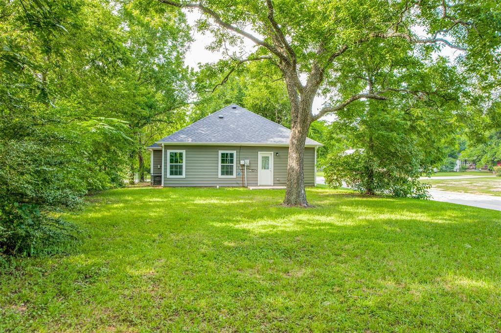 600 Johnson  Street, Denison, Texas 75020 - acquisto real estate best frisco real estate agent amy gasperini panther creek realtor