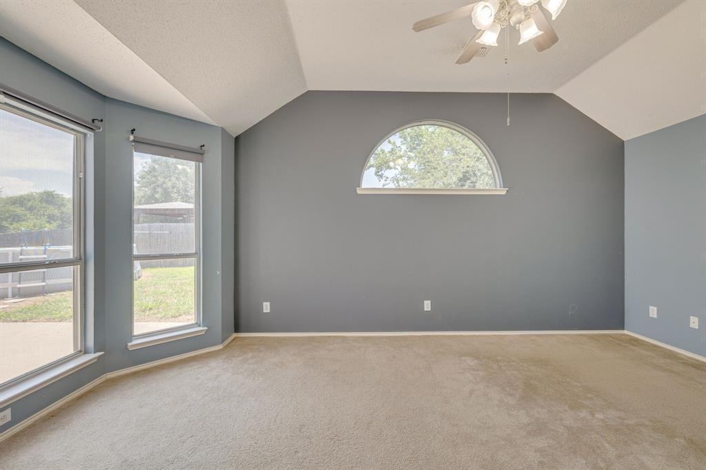 401 Watertown  Lane, Arlington, Texas 76002 - acquisto real estate best realtor dallas texas linda miller agent for cultural buyers