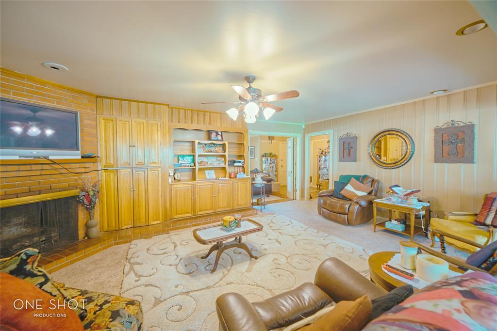 307 Hillcrest  Avenue, Eastland, Texas 76448 - acquisto real estate best celina realtor logan lawrence best dressed realtor