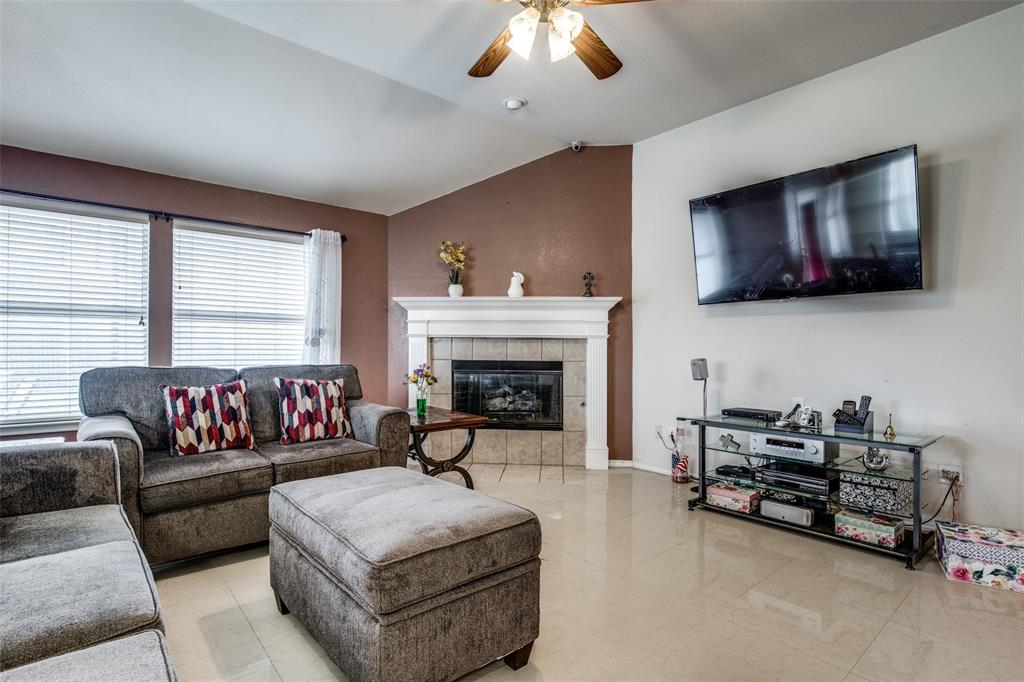 2100 Songbird  Drive, Forney, Texas 75126 - acquisto real estate best prosper realtor susan cancemi windfarms realtor