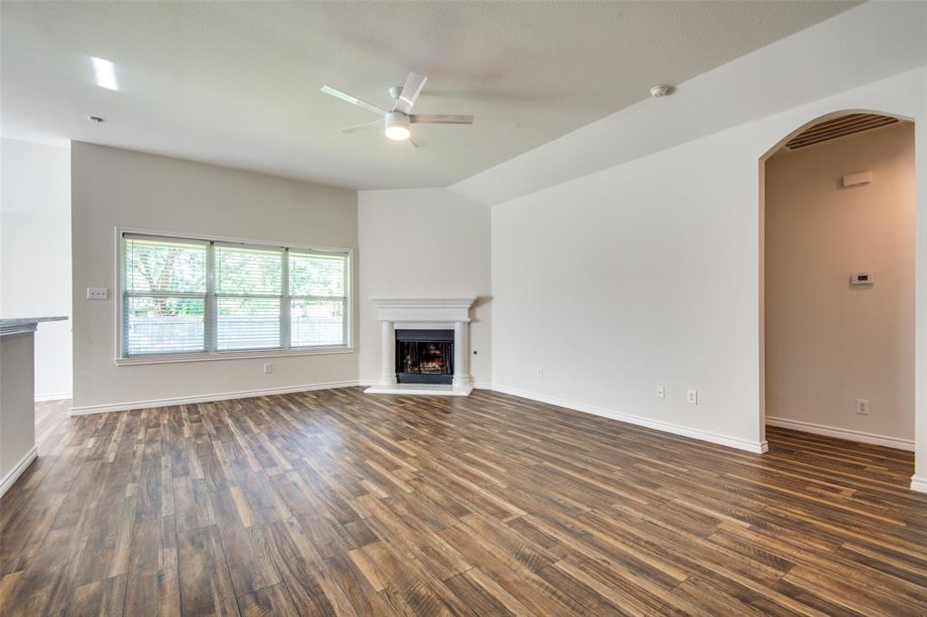 5913 Meadowglen  Drive, Denton, Texas 76226 - acquisto real estate best real estate company to work for