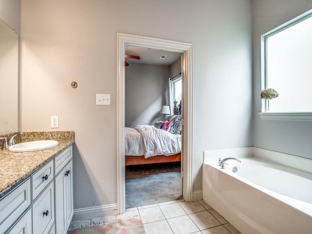 8001 Keechie  Drive, McKinney, Texas 75070 - acquisto real estate best designer and realtor hannah ewing kind realtor