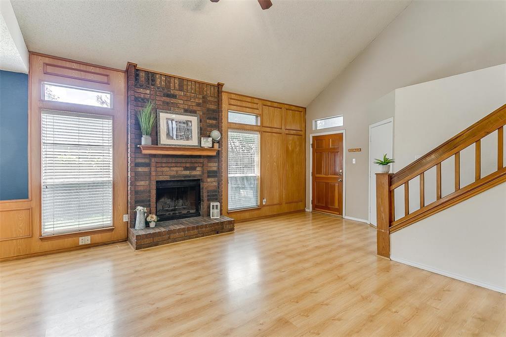 6028 Hillglen  Drive, Watauga, Texas 76148 - acquisto real estate best highland park realtor amy gasperini fast real estate service
