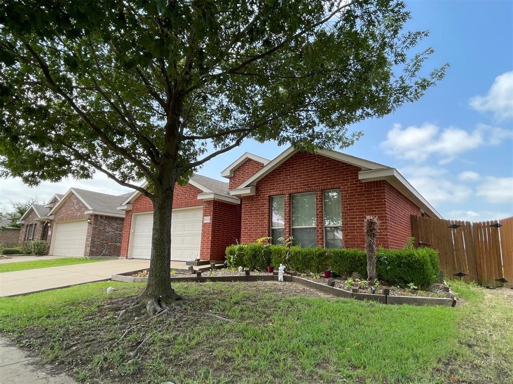 4035 Eric  Drive, Heartland, Texas 75126 - Acquisto Real Estate best frisco realtor Amy Gasperini 1031 exchange expert