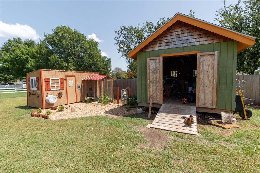 111 Suburban  Drive, Ovilla, Texas 75154 - acquisto real estate best looking realtor in america shana acquisto