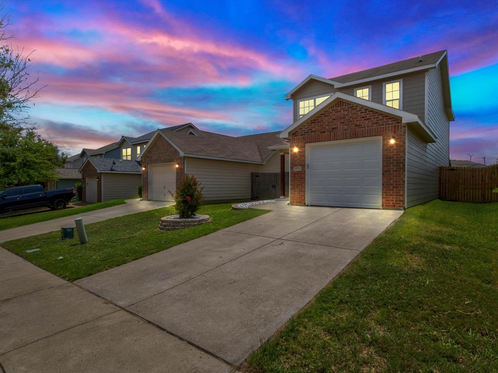10711 Edgewest  Terrace, Fort Worth, Texas 76108 - Acquisto Real Estate best plano realtor mike Shepherd home owners association expert