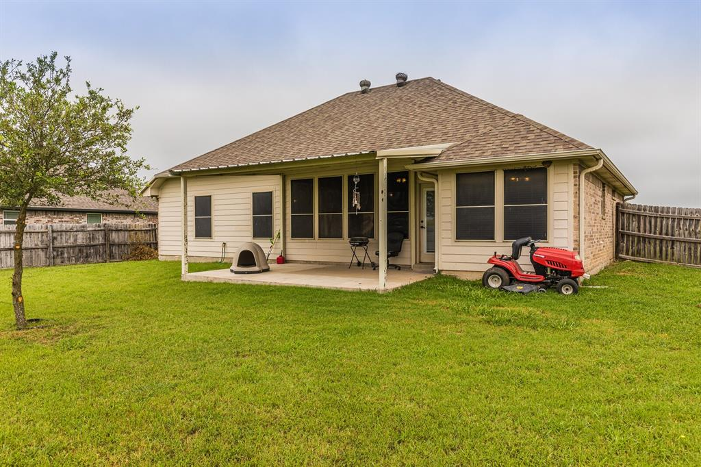 124 Joyce  Street, Whitney, Texas 76692 - acquisto real estate agent of the year mike shepherd