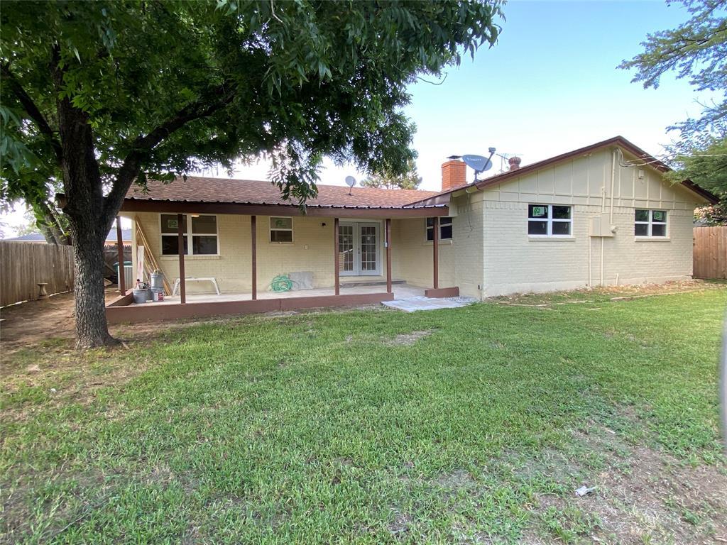 317 Hallmark  Drive, Fort Worth, Texas 76134 - acquisto real estate best highland park realtor amy gasperini fast real estate service