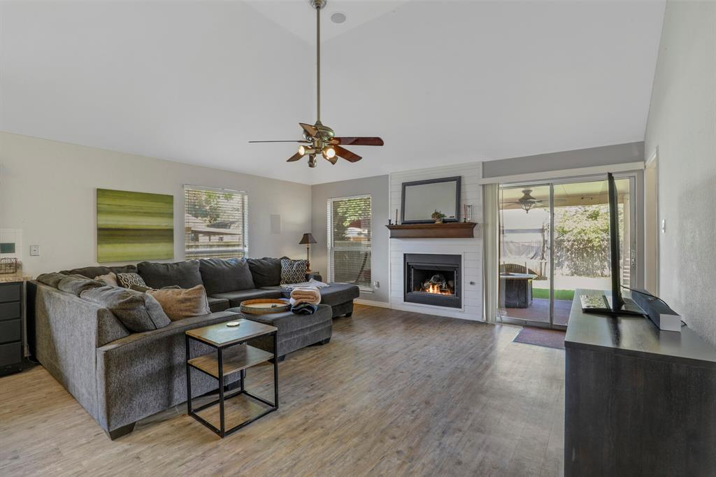 801 Bluffview  Drive, McKinney, Texas 75071 - acquisto real estate best allen realtor kim miller hunters creek expert