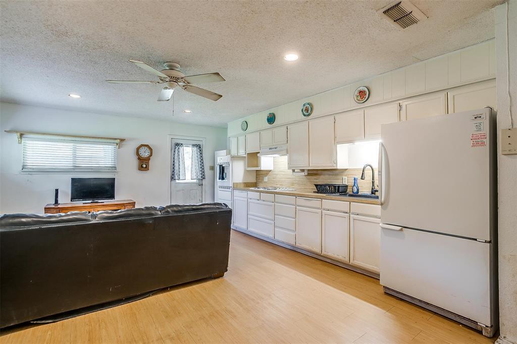1010 Yvonne  Drive, Joshua, Texas 76058 - acquisto real estate nicest realtor in america shana acquisto