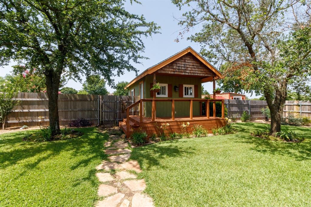111 Suburban  Drive, Ovilla, Texas 75154 - acquisto real estate best negotiating realtor linda miller declutter realtor