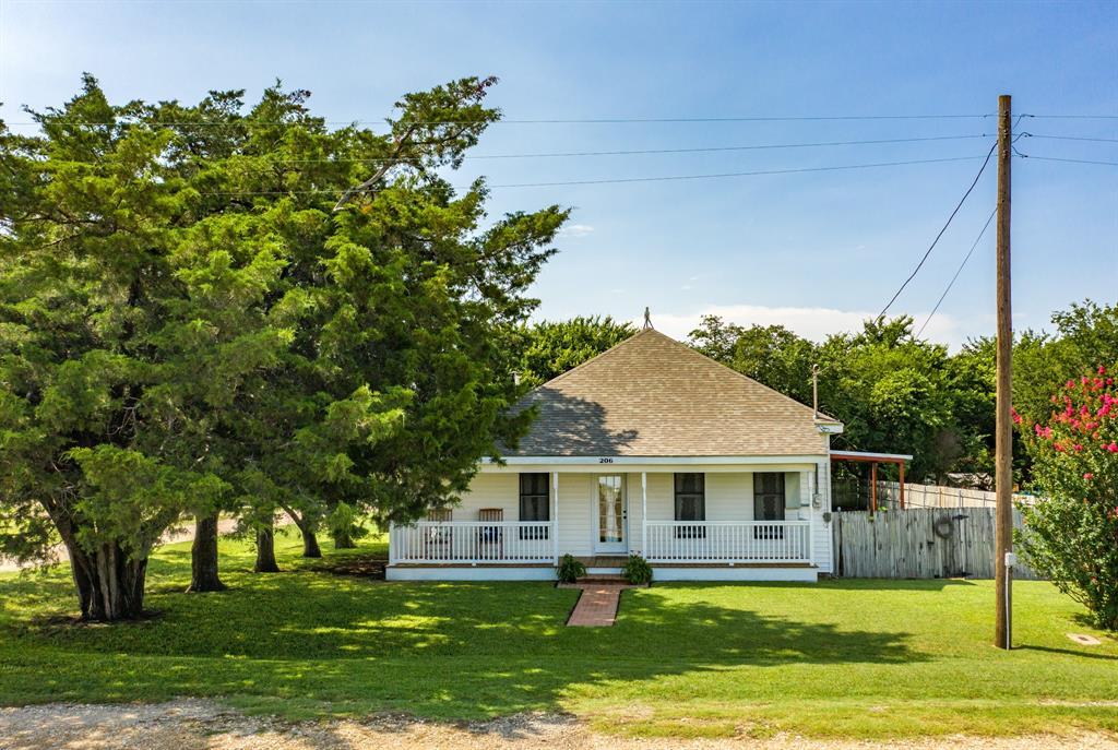 206 Sinclair  Street, Bynum, Texas 76631 - Acquisto Real Estate best frisco realtor Amy Gasperini 1031 exchange expert