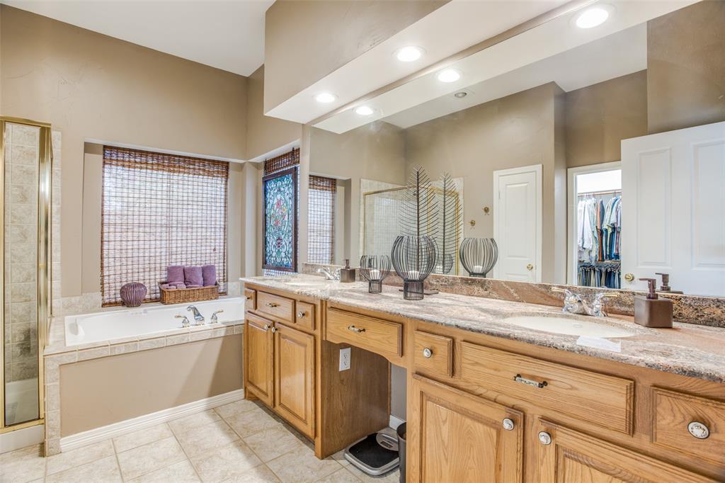 1732 Glenlivet  Drive, Dallas, Texas 75218 - acquisto real estate best plano real estate agent mike shepherd