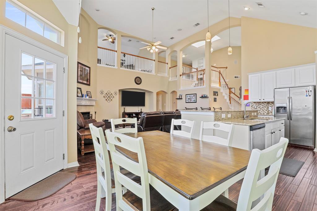 4204 Debbie  Drive, Grand Prairie, Texas 75052 - acquisto real estate best designer and realtor hannah ewing kind realtor