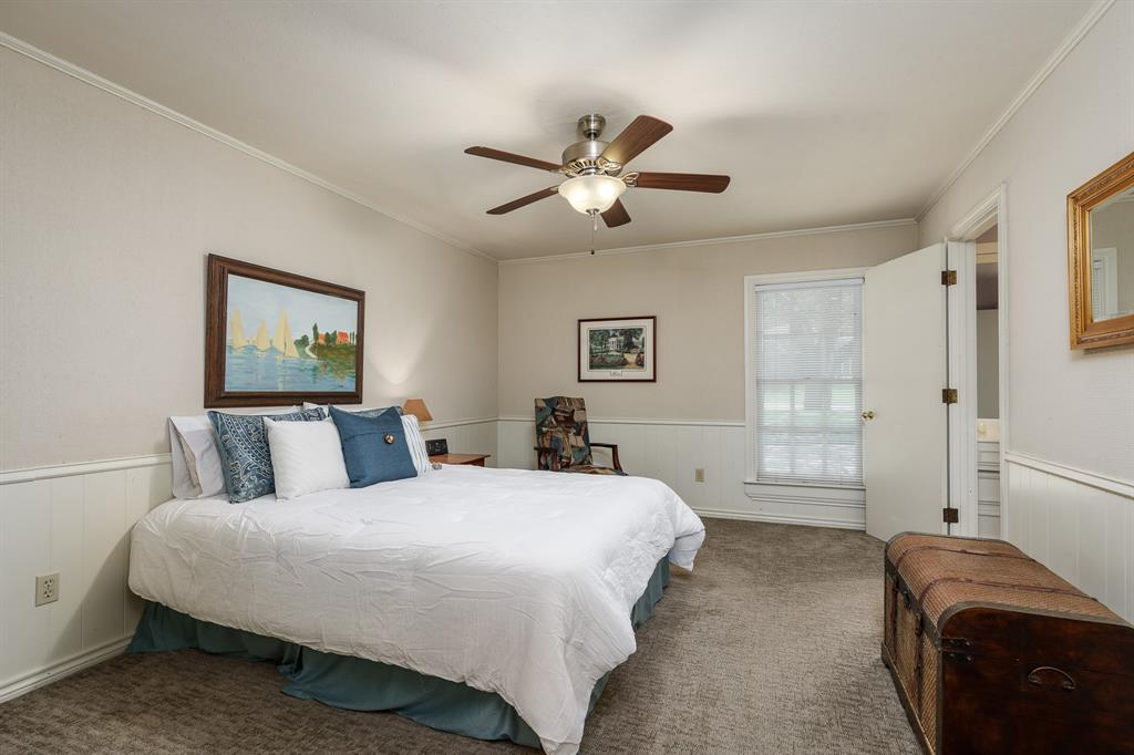 6556 Meadowcreek  Drive, Dallas, Texas 75254 - acquisto real estate best realtor foreclosure real estate mike shepeherd walnut grove realtor