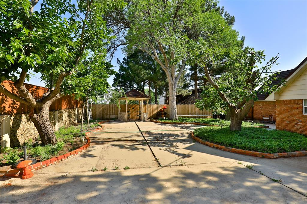 1600 Kiowa  Drive, Big Spring, Texas 79720 - acquisto real estate nicest realtor in america shana acquisto