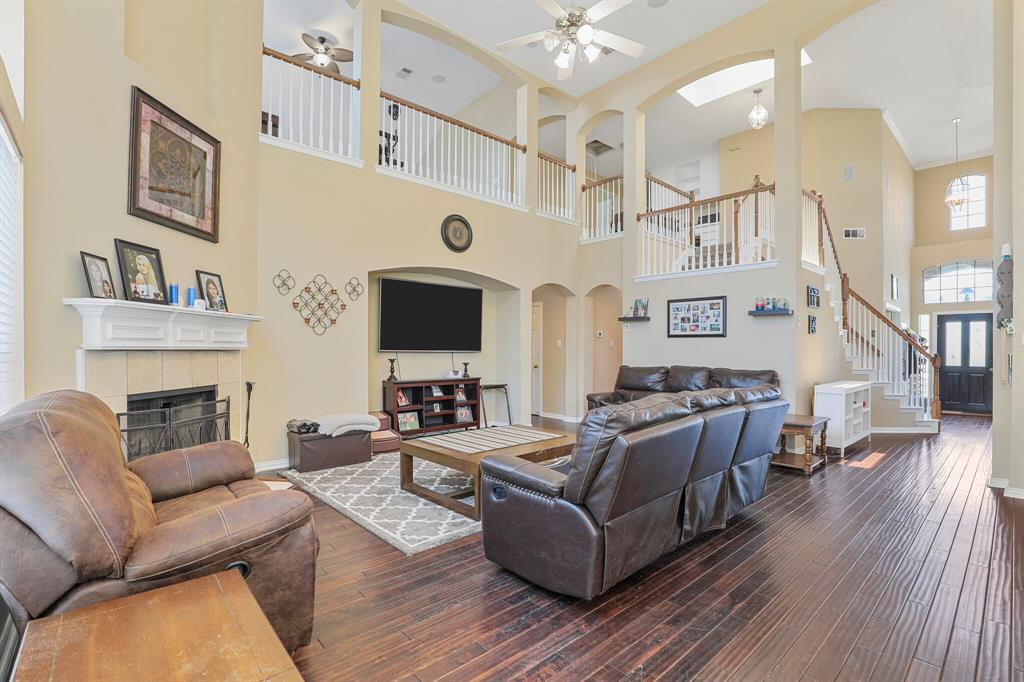 4204 Debbie  Drive, Grand Prairie, Texas 75052 - acquisto real estate best real estate company to work for