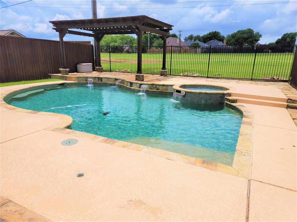 1437 Eden Valley  Lane, Plano, Texas 75093 - acquisto real estate best realtor foreclosure real estate mike shepeherd walnut grove realtor