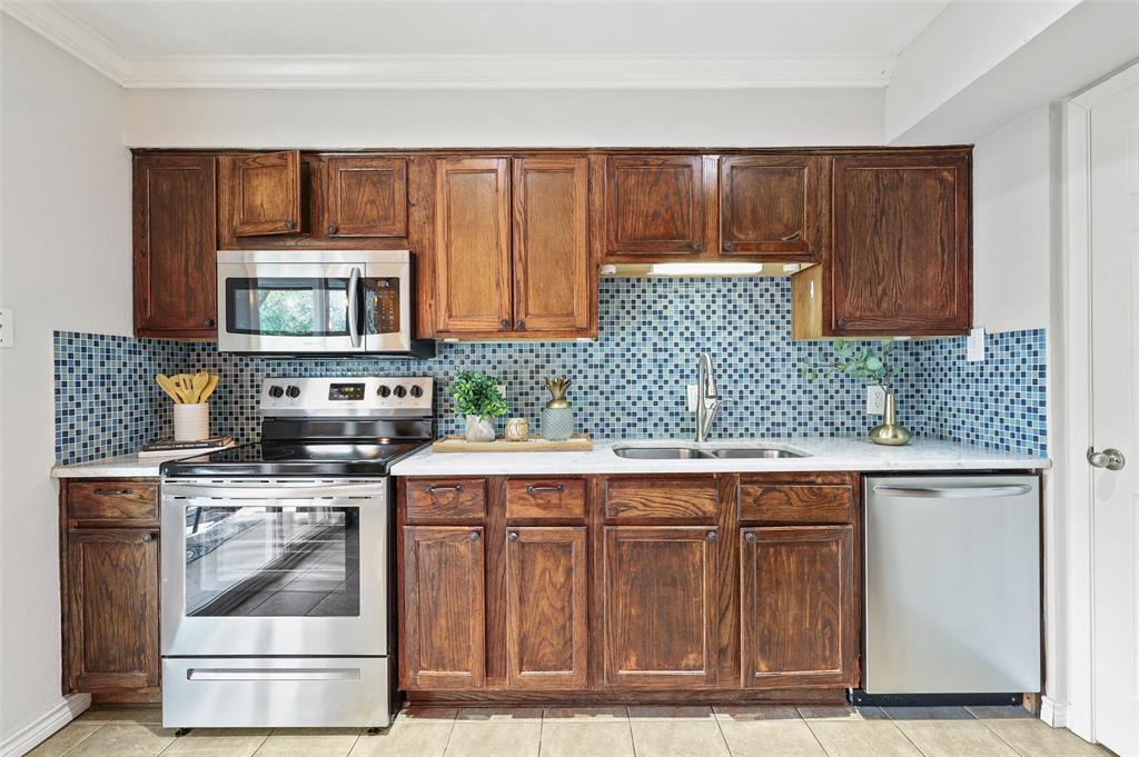 7609 Pebblestone  Drive, Dallas, Texas 75230 - acquisto real estate best listing listing agent in texas shana acquisto rich person realtor