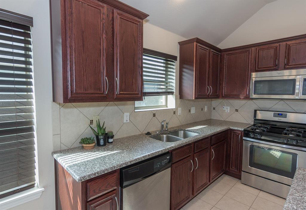 724 Sendero  Road, Arlington, Texas 76002 - acquisto real estate best celina realtor logan lawrence best dressed realtor